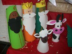 Margaret Magalhaes: PRESEPIO DE NATAL Mais Cardboard Box Houses, Cardboard Rolls, Preschool Crafts, Crafts For Kids, Arts And Crafts, Paper Crafts, Kids Christmas, Christmas Crafts, Christmas Decorations