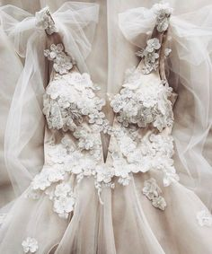 Off the Shoulder White Wedding Party Dresses Ball Gown with Appliques – wedding gown Long Wedding Dresses, Wedding Gowns, Prom Dresses, Formal Dresses, Wedding Bride, Denim Dresses, Ball Dresses, Wedding Rings, Yes To The Dress