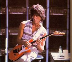 Jeff Beck, his guitars, related stuff & advert for the MLP Jeff Beck Social Group Duane Eddy, Pink Guitar, Guitar Pics, Guitar Room, The Yardbirds, Jeff Beck, Portraits, Van Halen, Eric Clapton