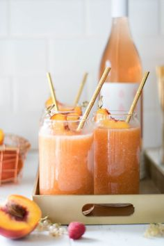 Peach + Raspberry Frozé — All Purpose Flour Child – cocktails Party Drinks, Fun Drinks, Healthy Drinks, Beverages, Healthy Snacks, Cocktails Champagne, Cocktail Drinks, Cocktail Recipes, Vodka Martini