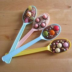 Easy Party Ideas , August 2009 by Marie 54 Comments, Best Baby Shower Food Ideas , Simple Baby Shower Food Ideas, summer baby shower food. Chocolate Spoons, Chocolate Party, How To Make Chocolate, Hot Chocolate, Melted Chocolate, Cocoa Party, Chocolate Covered, Delicious Chocolate, Chocolate Chips