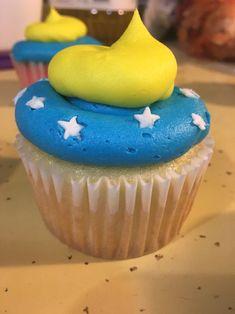 """Wonder Woman"" cupcakes"