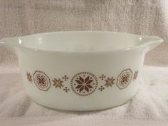 Pyrex Town and Country 475 Casserole 2 1/2 Quarts by thetrendykitchen on Etsy