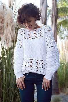 From EVERYDAY OUTFITS. Love the knit.
