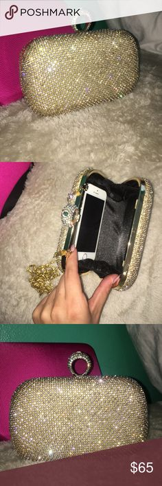 GOLD CLUTCH NEW - includes detachable strap - this will complete that formal//prom outfit - MAKE AN OFFER Bags