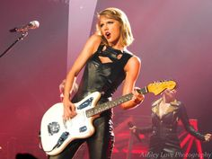 Taylor Swift Performing We Are Never Ever Getting Back Together - 1989 World Tour Bossier City, Louisiana.