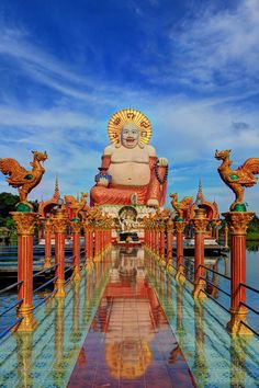 The Buddhist temple Wat Plai Laem, Koh Samui (Island), Thailand www.travel4life.club