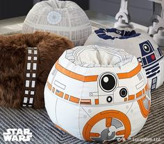 Pottery Barn Kids offers kids & baby furniture, bedding and toys designed to delight and inspire. Create or shop a baby registry to find the perfect present. Theme Star Wars, Star Wars Art, Star Trek, Pottery Barn Kids, Nave Star Wars, Star Wars Bedroom, Couple Room, Kids Bean Bags, Star Wars Girls