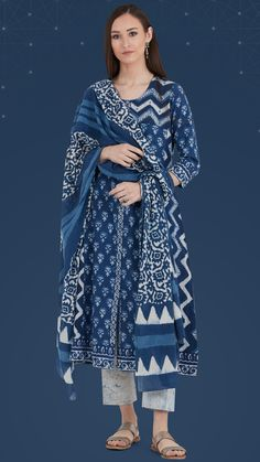 Add timeless charm to your overall look with our Nakshatra Jawa Kurta. A kurta handcrafted in indigo hues with an A-line silhouette is an ideal choice for relaxed hours. Wear this hand-blocked, cotton kurta with our Nakshatra Jia Farsi. Simple Kurta Designs, Kurta Designs Women, Salwar Designs, Indian Attire, Indian Outfits, Winter Fashion Outfits, Women's Fashion Dresses, Simple Indian Suits, Kurta Patterns
