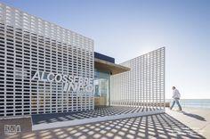 Celosías cerámicas con vistas al mar mediterráneo. Nueva oficina de turismo de Alcocebre. Colaboro con Sanahuja&partners