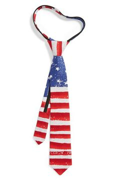 Cute! A patriotic print tie for July 4th.