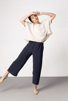 Sustainable fashion outfit from Elizabeth Suzann. Love this Florence Pant. so nice for fall. Mode Outfits, Fashion Outfits, Fashion Shirts, Emo Fashion, Fall Outfits, Summer Outfits, Mode Simple, Simple Style, Pantalon Large