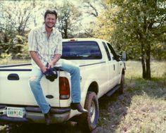Blake Shelton Tattoo, Blake Shelton Baby, Blake Shelton Gwen Stefani, Male Country Singers, Country Music Artists, Country Songs, Country Men, Country Girls, Black Shelton