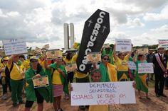 Brazilians protest bill they say weakened anti-corruption probe