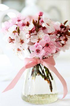 Home & Inspiration: Zarte Blüten