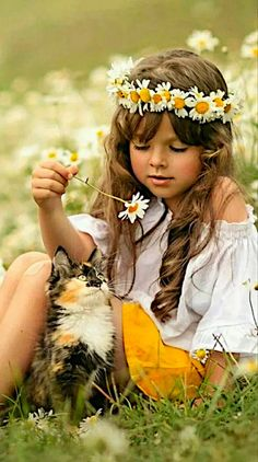 Children Fashion Girls Dresses Hats Ideas For 2019 Baby Kind, Cute Baby Girl, Cute Little Girls, Little Babies, Cute Babies, Cute Kids Pics, Cute Baby Pictures, Beautiful Pictures, Beautiful Children