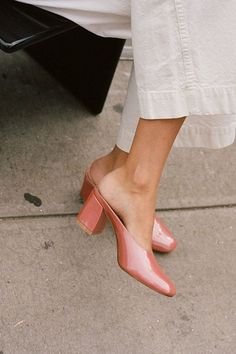 Top 7 Classy Women Heels Demanding Every Attention Daily - Perfect Summer Shoes. Look Fashion, Fashion Shoes, Fashion Accessories, Womens Fashion, Korean Fashion, Winter Fashion, Fashion Trends, Fashion Outfits, Fashion Tips