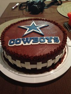 Dallas Cowboys football birthday cake normanloveconfectionscom My