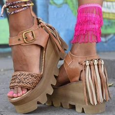 hahaha, if I were young again! Boho Sandals, Leather Sandals, Shoes Sandals, Shoes Sneakers, Cute Shoes, Me Too Shoes, Cute Slippers, Wedge Boots, Cool Boots