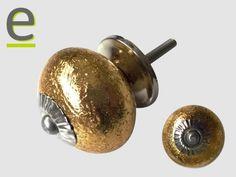 Pomelli di ceramica dorati, minuteria a contrasto con finitura silver!  http://easy-online.it/it/shop/pomelli/pomelli-dorati-scrk-65-silver/