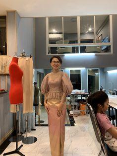 Mother Of Bride Outfits, Mother Of The Bride, Myanmar Dress Design, Thai Dress, Kebaya, Capes, Silk Dress, Striped Dress, Frocks