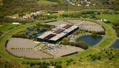 Eero Saarinen ~ Bell Labs Holmdel Complex ~ Holmdel, New Jersey ~ ca. Alexander Graham Bell, Eero Saarinen, Random House, New Jersey, Paris Saclay, Westerns, Colorado, Prix Nobel, Famous Architects