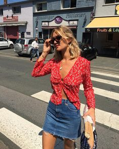 find your inspiration in the category tops Summer Outfits, Cool Outfits, Fashion Outfits, Womens Fashion, Fashion Trends, Style Année 80, Parisian Style, Types Of Fashion Styles, Get Dressed