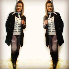 cardigã listras - bandana branca - moda - look do dia- casaco longo de lã - casaco preto longo