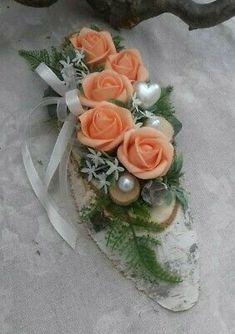 Heart Crafts, Funeral Flowers, Natural Cosmetics, Ikebana, Farmer, Flower Arrangements, Table Decorations, Spring, Nature