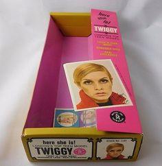 MOD TWIGGY Original Box Accessories N-MINT NRFB MIB Condition