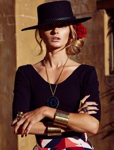 Cowgirl Style with a Spanish/Goucho influence. Cowgirl Style, Moda Cowgirl, Cowgirl Mode, Estilo Cowgirl, Spanish Hat, Spanish Style, Look Fashion, Womens Fashion, Fashion Design
