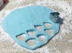 How to make Homemade Conversation Heart Candies! How to make your own homemade Valentine Conversation Hearts candies! Conversation Hearts Candy, Make Your Own, Make It Yourself, Converse With Heart, Homemade Valentines, Candy Making, How To Make Homemade, Candies, Desserts