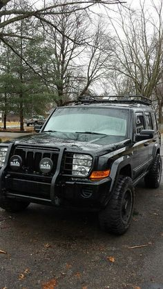Tactical Jeep Commander Off Road