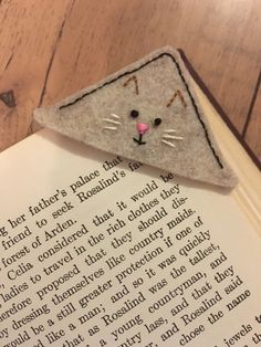 Corner Bookmark - Hand Embroidered Design on Felt - Neutral Tan and Brown Cat Face