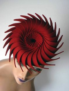 Architectural millinery technique developed by Eugenie van Oirschot Millinery Hats, Fascinator Hats, Fascinators, Headpieces, Red Hat Society, Crazy Hats, Fancy Hats, Felt Hat, Red Felt