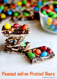 Looking for a recipe for a chocolaty AND salty treat? Look no further than these Peanut M&M'S Pretzel Bars.
