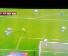 Luiz Adriano til 1-0 mod Crotone