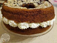 עוגה דבש גבוהה חלומית שקוצרת המון מחמאות