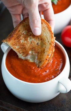 Nutritious Snack Tips For Equally Young Ones And Adults Instant Pot Tomato Soup Is An Easy Peasy Twist On A Comfort Food Classic The Ip Locks In Flavor And Gives This Vegetarian Soup A Slow-Simmered Taste In A Fraction Of The Time. Instant Pot Pressure Cooker, Pressure Cooker Recipes, Slow Cooker, Pressure Cooking, Paleo, Tomato Soup Recipes, Chicken Recipes, Instapot Soup Recipes, Tomato Soups