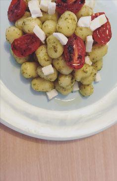 "Italian ""water"" gnocchi, with basil pesto, confit tomatoes and mozzarella!"