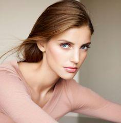 Cinco productos Clarins para un maquillaje perfecto