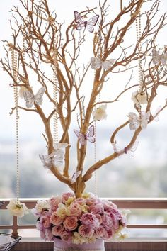 Floral branch centerpiece with butterflies and pearls for a custom themed butterfly party for your kid's birthday party! Butterfly Birthday Party, Butterfly Baby Shower, Butterfly Wedding, Baby Shower Themes, Baby Shower Decorations, Shower Ideas, Shower Party, Bridal Shower, Spa Party