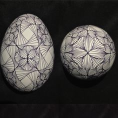 """""""#gooseegg finished waxing my lines #paradox #zentangle . Question now is to add color or #etch the egg ?  #batikeggsbymark #pisanki #pysanky…"""""""