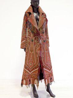 Indalia Fashion - Asian and Italian fabrics combined with Italian tailoring Ethnic Fashion, Boho Fashion, Haute Hippie, Facon, Fashion Sewing, Couture Fashion, Bohemian Style, Cool Outfits, Inspiration