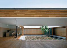 http://architekturverzeichnis.blogspot.de/2011/12/atrium-house-in-ageo-saitama-by-tezuka.html