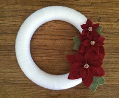 Poinsettia Wreath. Christmas Wreath. Winter Wreath. White & Red Wreath. Yarn and Felt Wreath. (W101) READY to ship