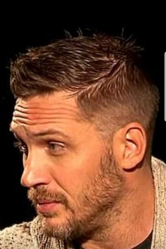 The Tom Hardy Haircut Gallery: When Ruggedness Meets Masculinity - Page 2 of 31 - Easy Hairstyles Tom Hardy Beard, Tom Hardy Haircut, Brad Pitt, Two French Braids, Thing 1, Hollywood Actor, Beard Styles, Haircuts For Men, Gorgeous Men