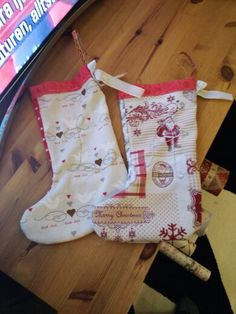 Two more stockings for two little girls I know! #julegave #håndarbeide #christmas #jul #christmaspresent #advent #julestrømpe