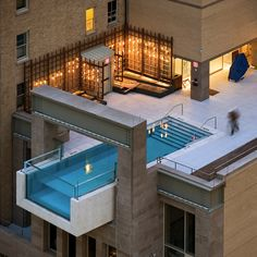 the hanging outdoor rooftop pool