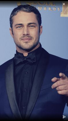 Taylor And Company, Taylor Kinney Chicago Fire, Short Beard, Hunks Men, Chicago Pd, Ex Husbands, Suit And Tie, Perfect Man, Gorgeous Men